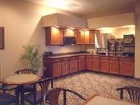 Howard Johnson Inn & Suites - Rapid City