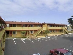 Howard Johnson Express Inn - Monterey Seaside