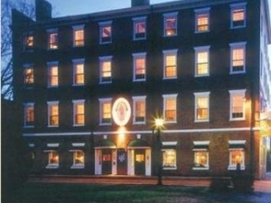 Garrison Inn