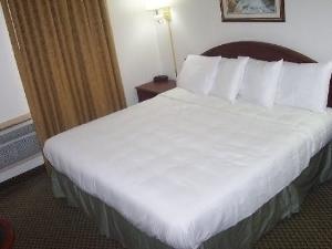 Vista Inn & Suites Murfreesboro