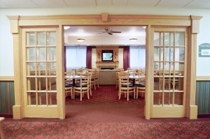 Dollingers Inn And Suites