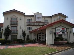 Budgetel Inn And Suites Memphi