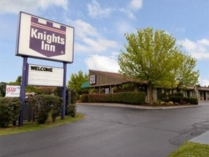 Knights Inn Liverpool Ny