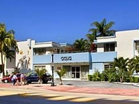 Aqua Hotel And Lounge