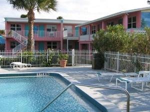 Caribbean Shores Hotel Cottage