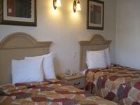 Glen Capri Inn And Suites Col