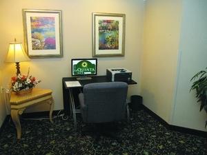 La Quinta Inn and Suites St Louis Westport