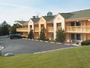 La Quinta Inn Appleton Fox River Mall Area