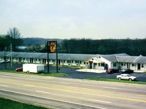 Super 7 Motel Sedalia