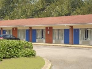 Lenlock Inn Anniston