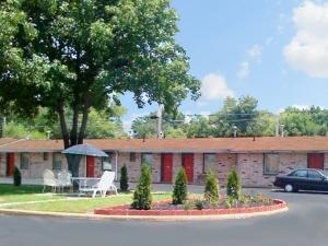 C H Motel El Dorado Springs