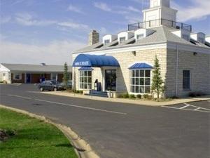 Rockford Alpine Inn Suites