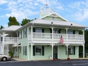 Woodstream Inn Hogansville