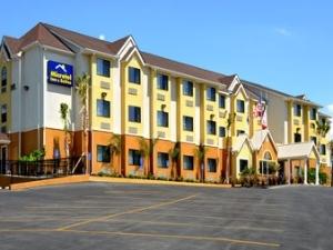 Microtel Inn And Suites N Brfl