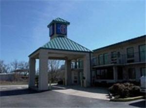 Motel 6 Brownsville Bells