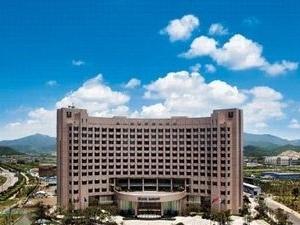 Grand Barong Hotel
