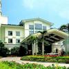 Phoenix Lakeview Resort Hotel