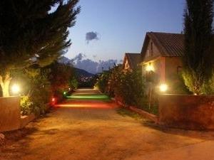 Traditional Villas Therianos