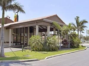 Super 8 West Palm Beach