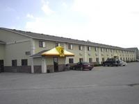Super 8 Motel - Muscatine