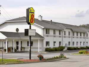 Super 8 Motel - Clearfield