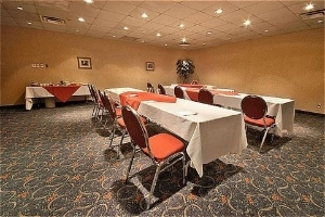 Park Inn And Suites Montreal Arpt
