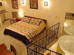 Wildwood Inn Theme Suites