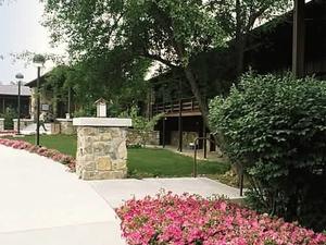 Carter Caves State Resort