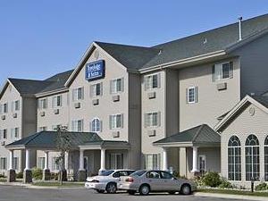 Travelodge & Suites Fargo Moorhead