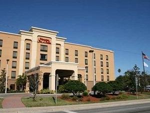 Hampton Inn Suites Largo
