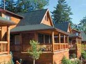 Lodges At Cresthaven