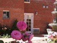 Osmer D Heritage Inn
