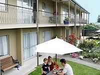 Taylors Lodge Motel