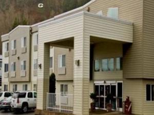 The Garibaldi House Inn-suites