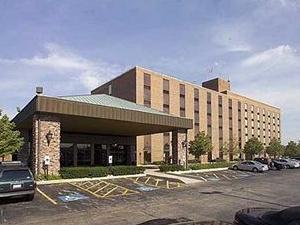 Holiday Inn Chicago - Countryside / Lagrange