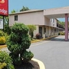 Econo Lodge Farmingdale