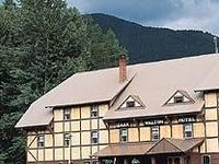 Izaak Walton Inn