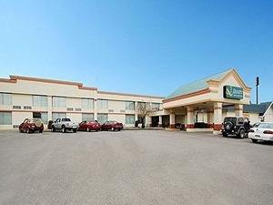 Quality Inn & Suites Clarion