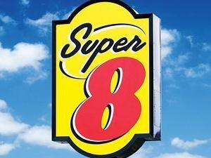 Super 8 Brooks