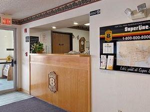 Super 8 Cedar City Pride Hotel