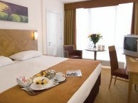 Days Hotel and Premier Apartments Dublin Airport