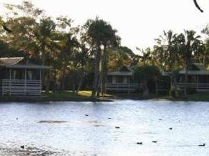 Kondari Lakeside Villas