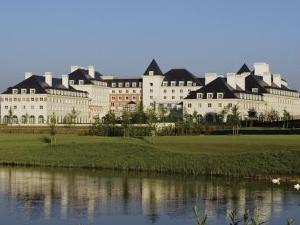 Dream Castle Hotel at Disneyland Resort Paris