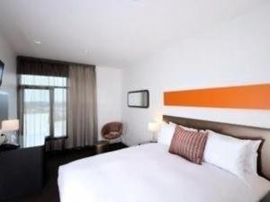 Punthill Dandenong Apartment Hotel