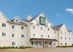 Quality Inn & Suites (Dixon)