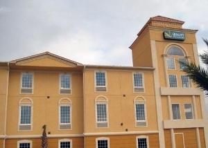 Quality Inn And Suites La Port