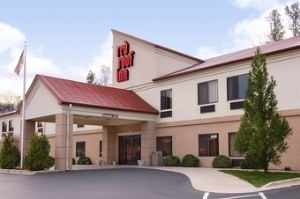 Red Roof Hendersonville