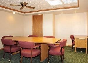 Rodeway Inn Wheat Lands Hotel