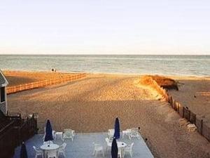 Sandpiper Beach Inn