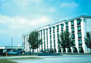 Clarion Hotel Midway Airport